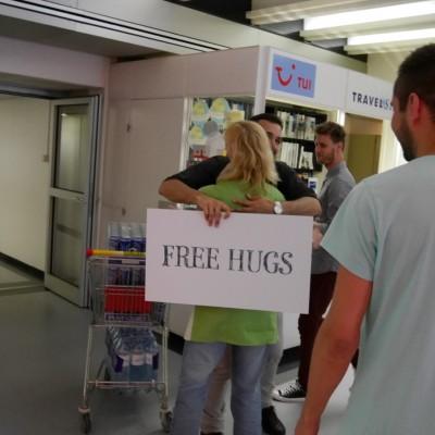Free Hugs Vienna 28 April 2014 110