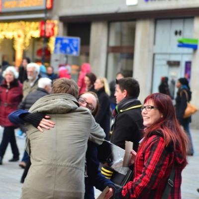 Free Hugs Vienna 23 November 2014  003