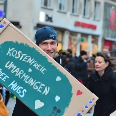 Free Hugs Vienna 23 November 2014  019