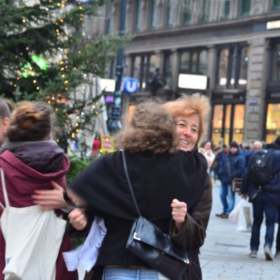 Free Hugs Vienna 23 November 2014  032