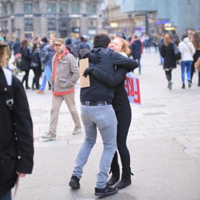 Free Hugs Vienna 23 November 2014  050