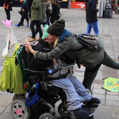 Free Hugs Vienna 23 November 2014  055