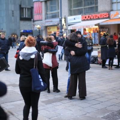 Free Hugs Vienna 23 November 2014  057