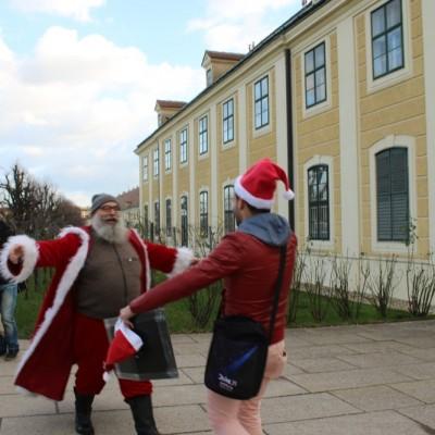 Free Hugs Vienna 21 December 2014  002
