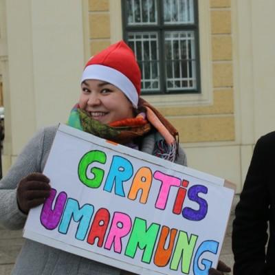 Free Hugs Vienna 21 December 2014  006
