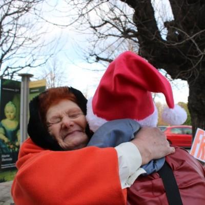 Free Hugs Vienna 21 December 2014  025