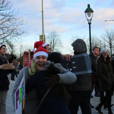 Free Hugs Vienna 21 December 2014  038