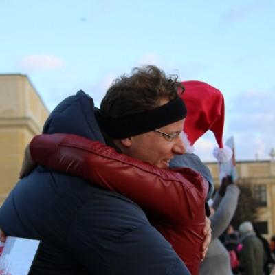 Free Hugs Vienna 21 December 2014  053