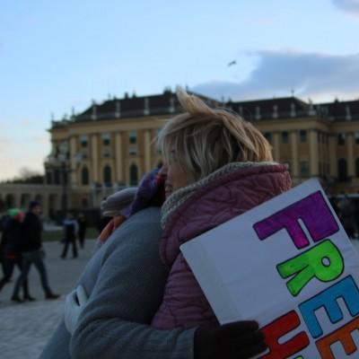 Free Hugs Vienna 21 December 2014  059