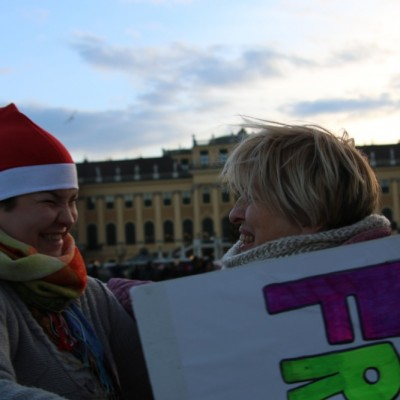Free Hugs Vienna 21 December 2014  060