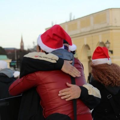 Free Hugs Vienna 21 December 2014  094
