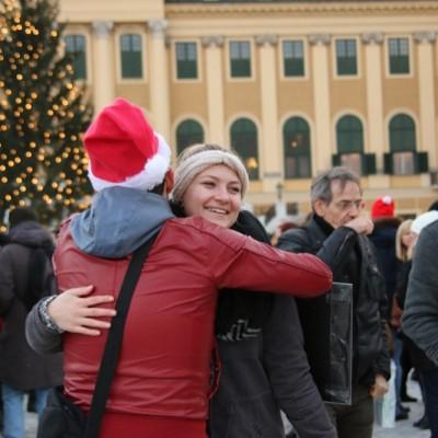Free Hugs Vienna 21 December 2014  205