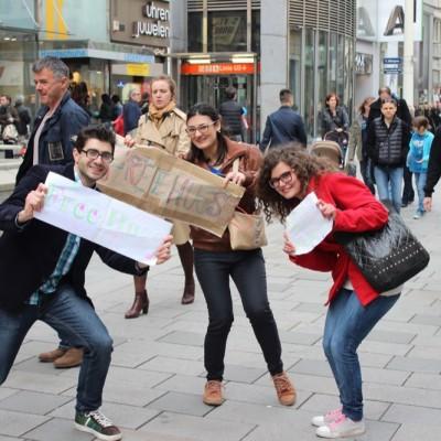Free Hugs Vienna @ Global Free Hugs Day 02 May 2015 033