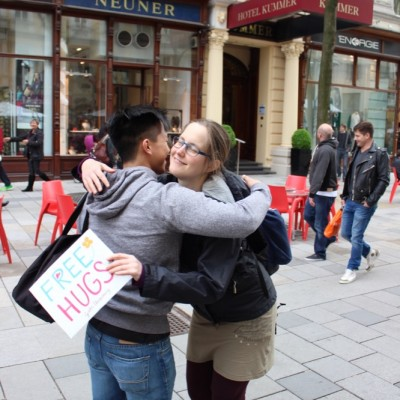 Free Hugs Vienna @ Global Free Hugs Day 02 May 2015 037