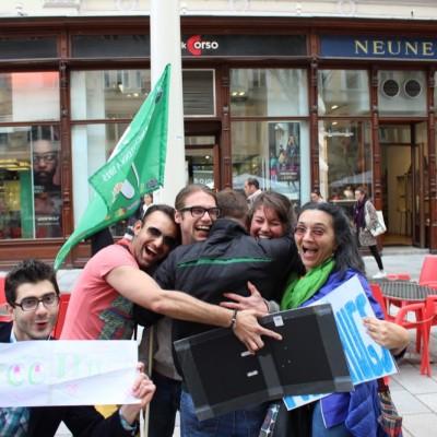 Free Hugs Vienna @ Global Free Hugs Day 02 May 2015 169