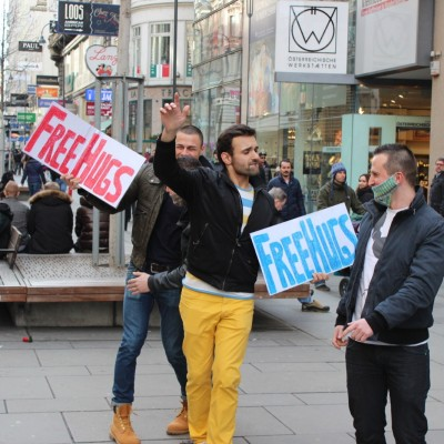 Free Hugs Happy in Vienna Knit for Tolerance Eurovision 2014