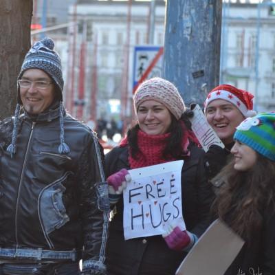 Free Hugs Vienna 07 December 2013 001
