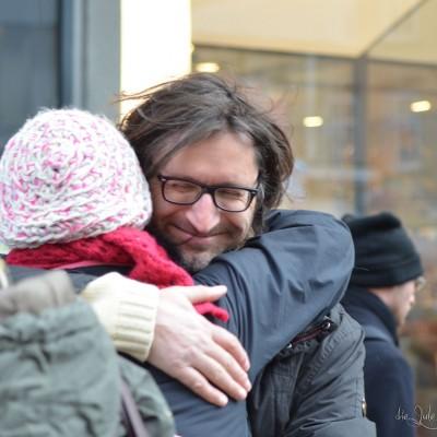 Free Hugs Vienna 07 December 2013 008