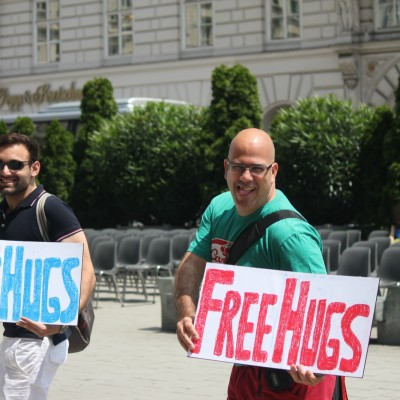 Free Hugs Vienna 08 June 2013 050