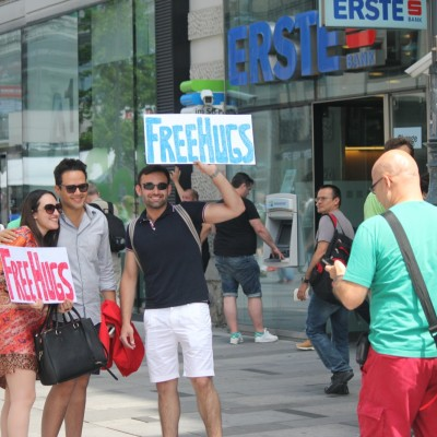 Free Hugs Vienna 08 June 2013 064