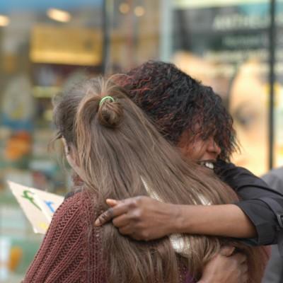 Free Hugs Vienna 20 April 2013 008
