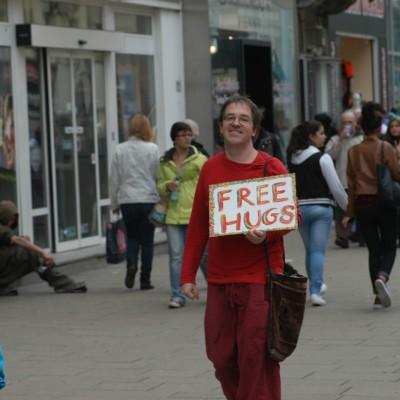 Free Hugs Vienna 20 April 2013 009