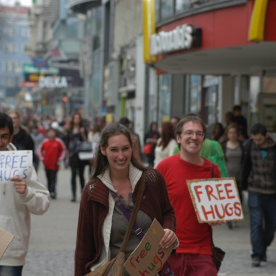 Free Hugs Vienna 20 April 2013 011